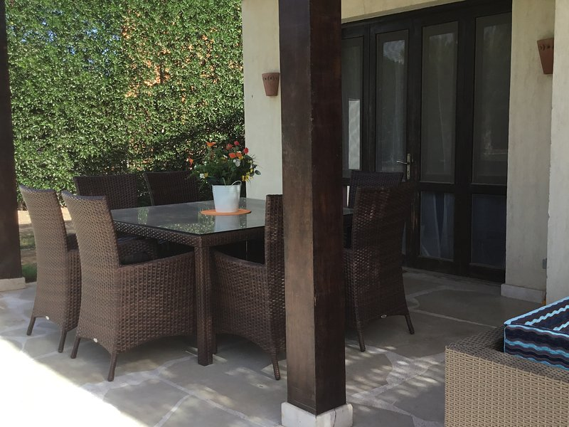 Extremely private villa/own pool - sleeps up to 9, Ferienwohnung in El Gouna