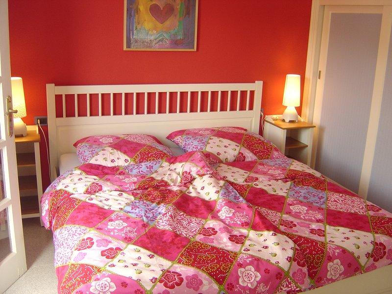Schlafzimmer 'Rojo' mit Doppelbett 180 x 200 cm