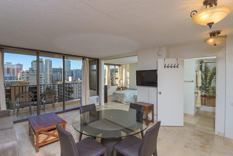 Waikiki Banyan / recém-renovado com Oceano Parcial & City View Room
