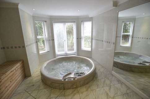 Brighton Flat With Hot Tub And Sauna Has Parking And Wi Fi Updated 2021 Tripadvisor Brighton Vacation Rental