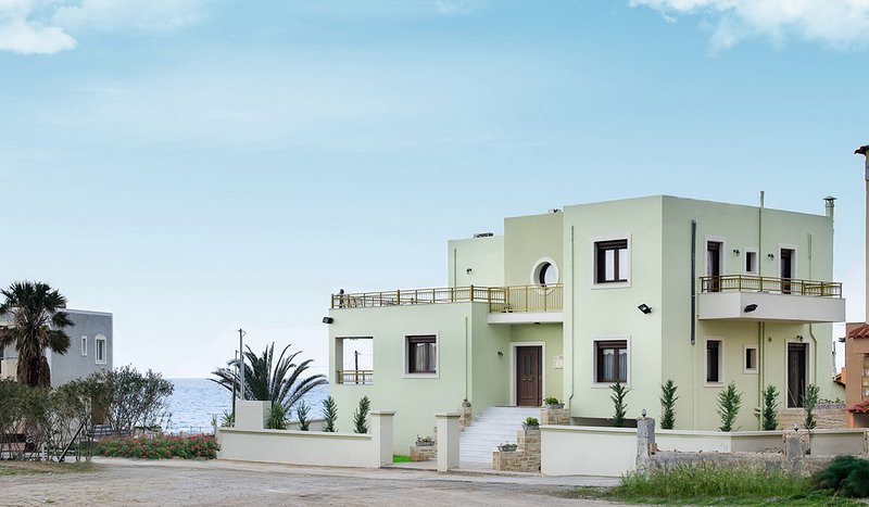 Luxury villa Irene★30m from Beach★20m From Restaurant★Children Area★10km to city, location de vacances à Tylissos