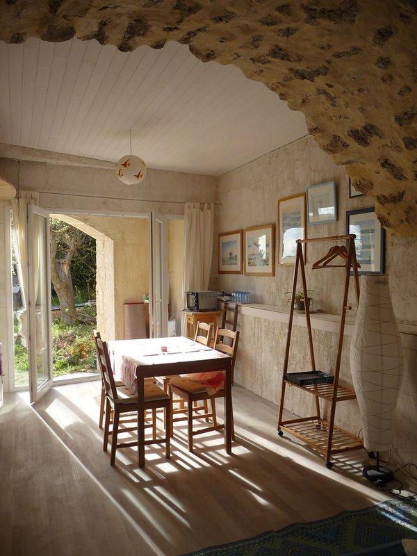 Corto room