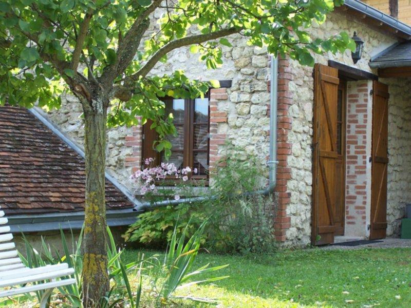 Maison 5 personnes, indépendante, proche châteaux Amboise et Chenonceau, alquiler vacacional en La Croix-en-Touraine