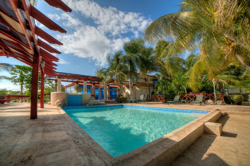 Beautiful Sand Dunes & Beach Jacuzzi Villa 6, holiday rental in Peravia Province