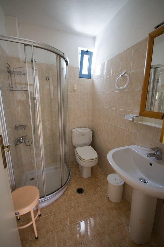 the bathroom of the ground floor