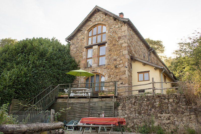 La Singlarie 1 - Perfect gite on an organic farm, holiday rental in Ginals