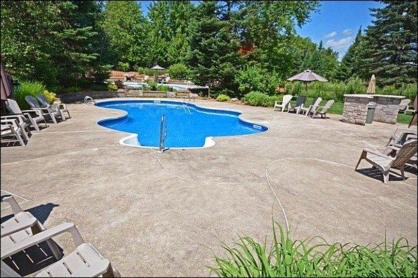 Godetevi la piscina in estate
