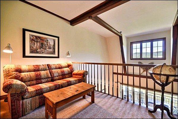 The Area Den Dotato di un divano letto