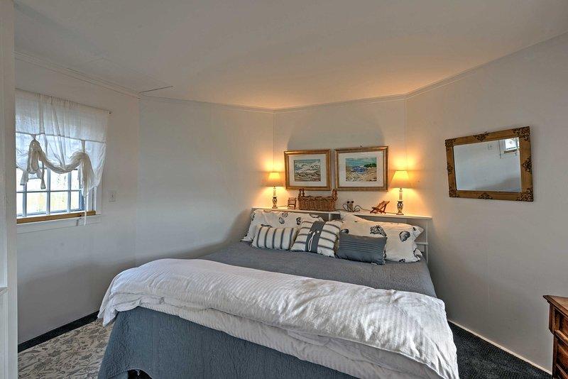Das Master-Schlafzimmer bietet viel Ruhe und Privatsphäre.