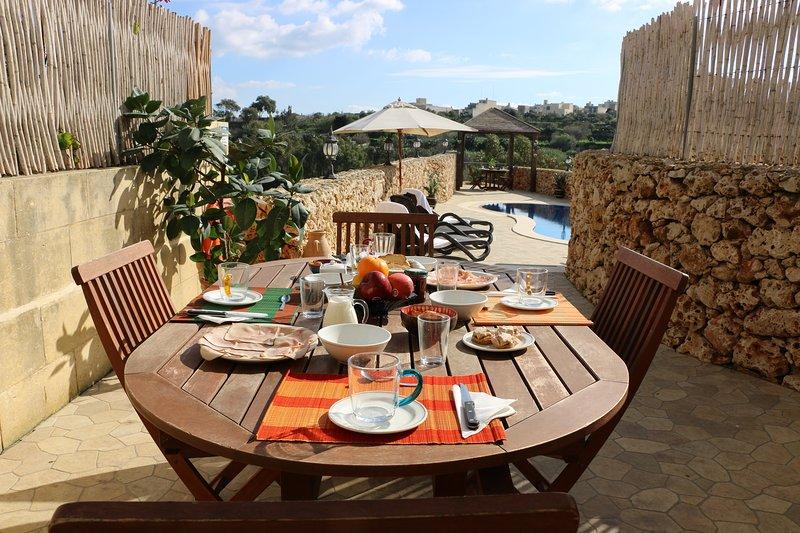 Breakfast around the pool