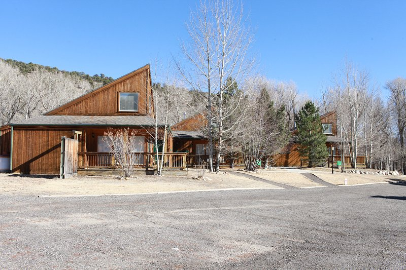 Mt. Elbert Chalet at Creekside Chalets, holiday rental in Monarch