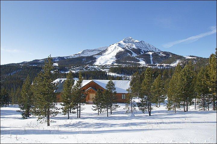 La propiedad con Lone Peak Looming arriba!