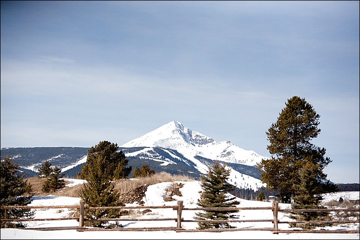 A Beautiful Lone Peak View, plus Meadow Village Groceries, Shops & Restaurants are walking distance.