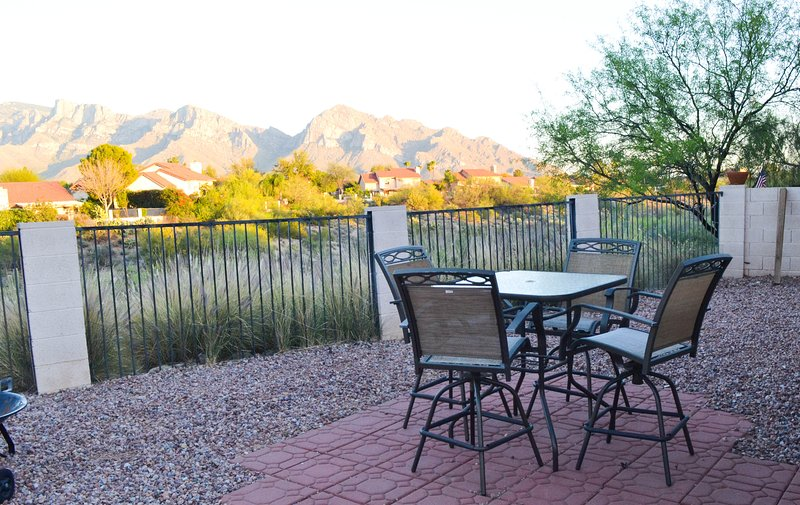 Stunning mountain views from your private backyard!