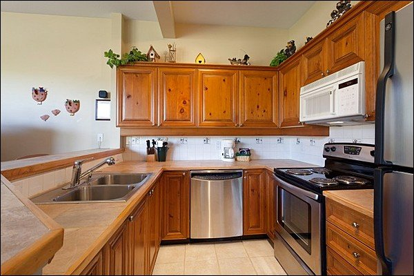 Fully Equipped Clean Kitchen Area