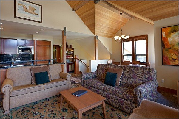 Private Hot Tub - Breathtaking Views of Both Mountains  / 214874 Chalet in Whistler