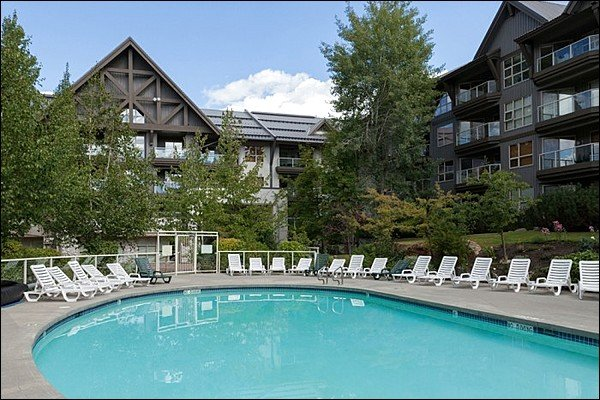 Photo of Ski in/Out - Outdoor Pool and Hot Tubs  /215003