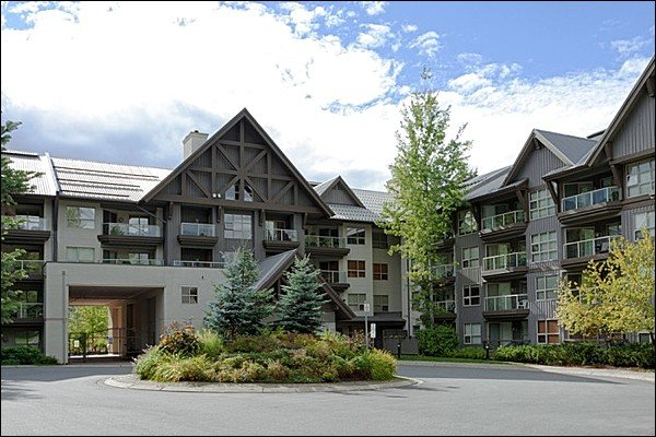 Fantastic  Complex with Ski In/Ski Out Access & Only a Short Walk to Blackcomb Base & Whistler Village