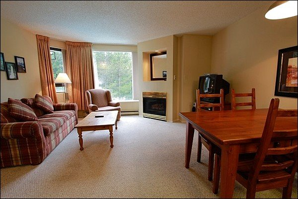 Slopeside on Blackcomb with Hot Tub and Pool / 214930 Chalet in Whistler