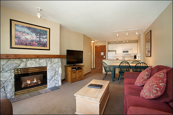 Ski in/Out - Outdoor Pool and Hot Tubs / 214917 Chalet in Whistler