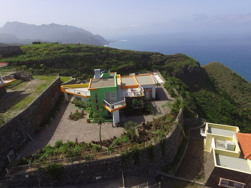 4 bedroom Villa with private pool in Santo Antao, Cape Verde, casa vacanza a Ponta Do Sol