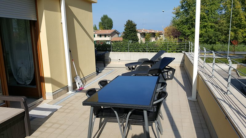 terrace of about 80 square meters