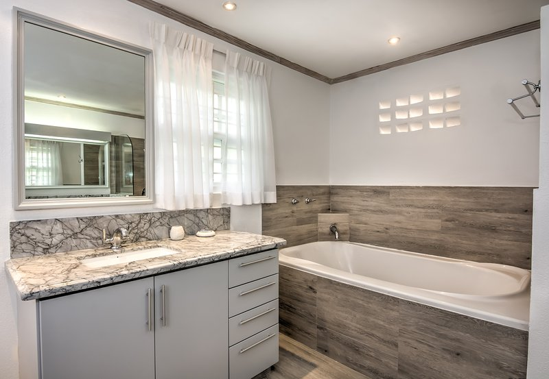 de baño en planta baja con baño