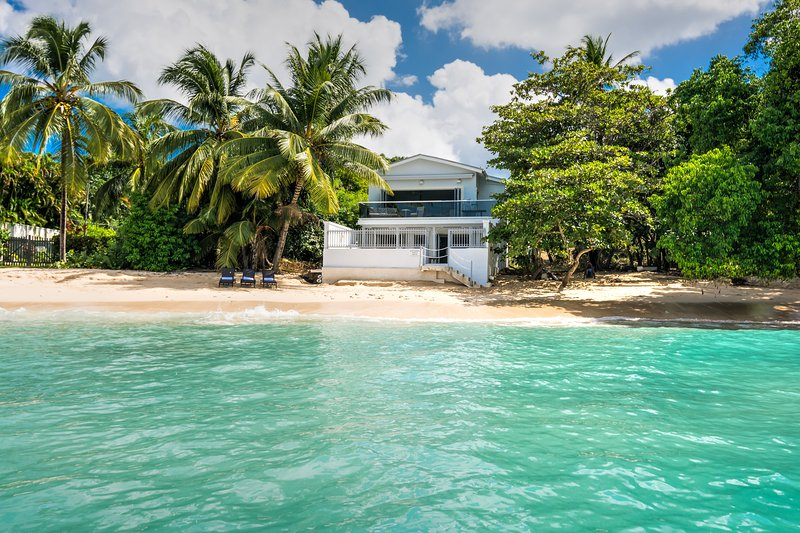 Westshore Beach House - West Coast, St. James, Barbados, location de vacances à Saint-James