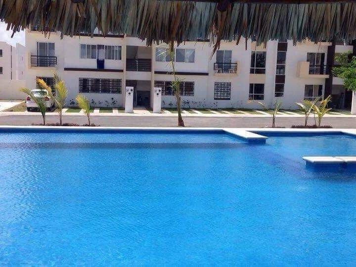 Pool mit Grillplatz