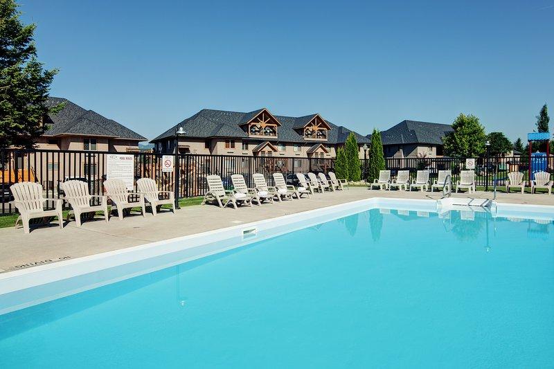 La piscina climatizada al aire libre de temporada