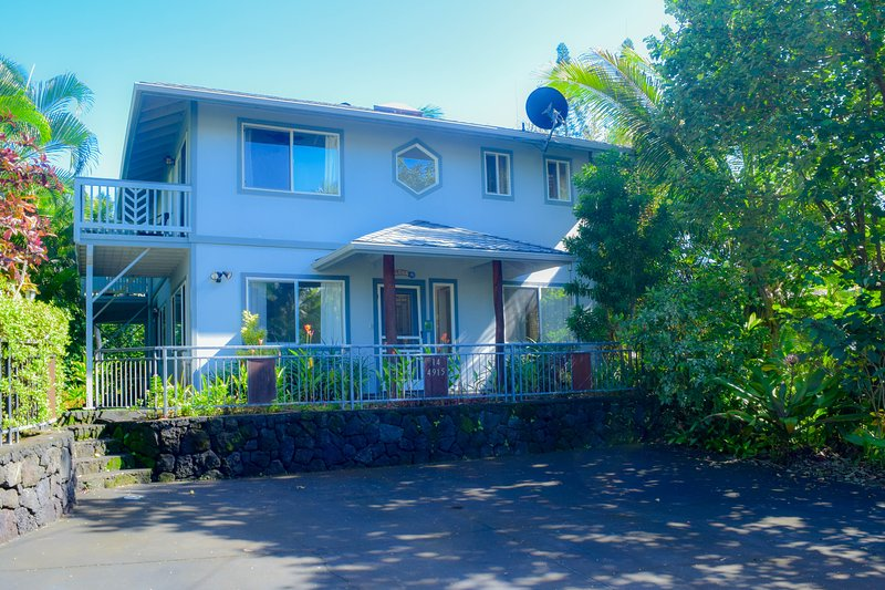 Orchid Elua is a 4B 4BA home in sunny Kapoho, a 5 min walk from the famous snorkeling tidepools