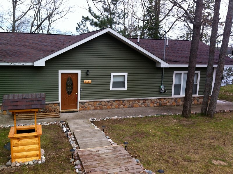 Little Bear Lake House Has Balcony and Terrace - UPDATED 2019