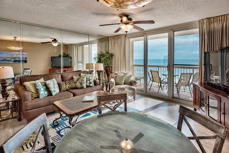 Unobstructed ocean views from 11th floor. This is a tastefully decorated updated unit!