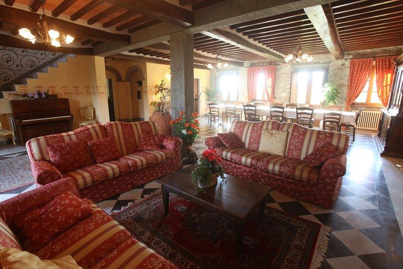 San Cassiano a Moriano Apartment Sleeps 8 with Pool - 5336632, location de vacances à Corte Cioni