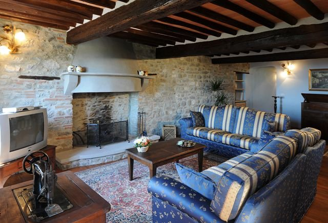 San Cassiano a Moriano Apartment Sleeps 8 with Pool - 5336633, location de vacances à Corte Cioni