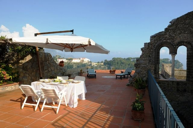 Bomerano Villa Sleeps 10 with Pool and Air Con - 5336657, vacation rental in Pontone
