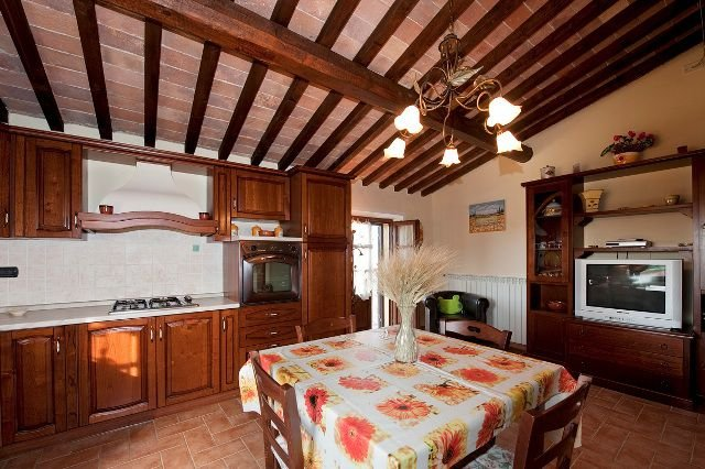 Casa Macehia Meli Apartment Sleeps 7 with Pool - 5336670, holiday rental in Rivalto