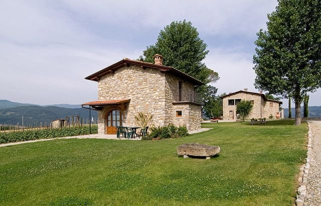 Ponte a Poppi Cottage Sleeps 4 with Pool - 5336719, Ferienwohnung in Castel San Niccolo