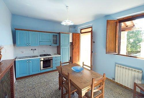 San Marziale Farmhouse Sleeps 4 with Pool - 5336825, vacation rental in Buonconvento