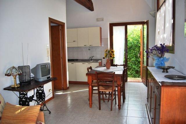 Mattone Apartment Sleeps 2 - 5336827, location de vacances à Montefalconi