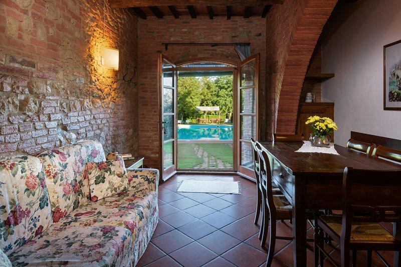 Apartment 'L'Aia' at La Casa delle Querce - Montepulciano, aluguéis de temporada em Acquaviva di Montepulciano