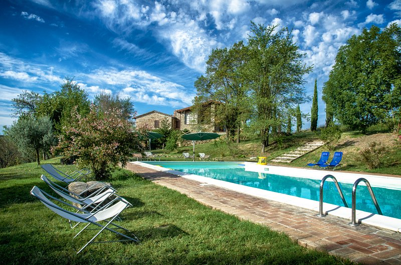 L'Ulivo, Family friendly holiday house with pool, vacation rental in Fratta Todina