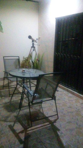 Cuarto con baño completo y terraza en alquiler acceso privado, location de vacances à Culiacan