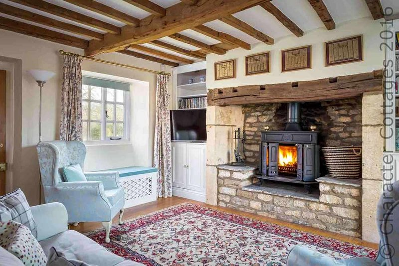 Lovely, characterful living room...