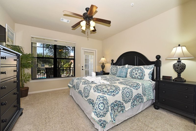 Bedroom, Indoors, Room, Bed, Furniture
