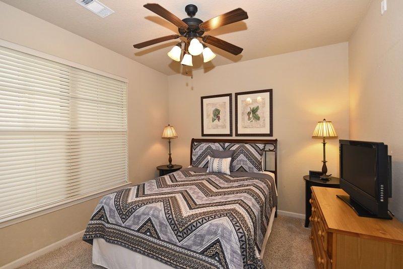Lamp, Bedroom, Indoors, Room, Sink