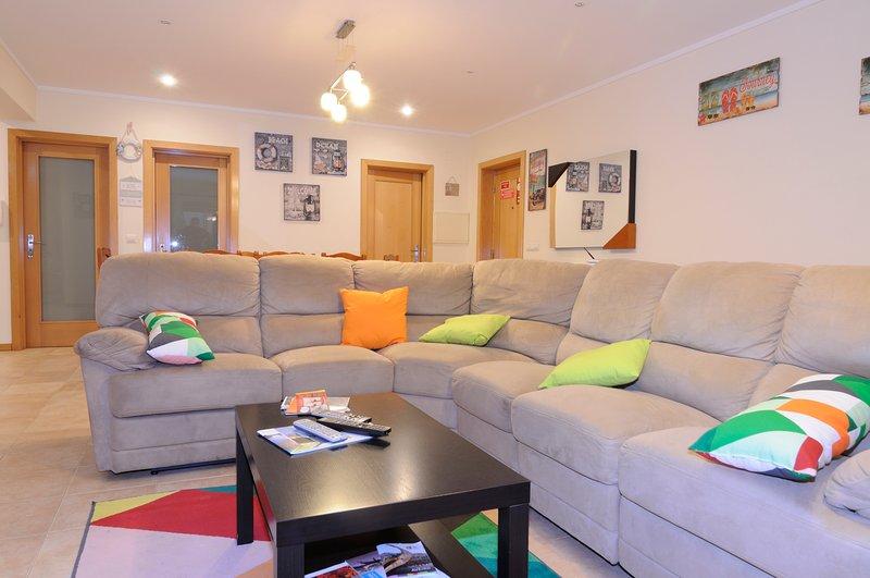 3 Bedroom Apartment in Torreira, Aveiro - Portugal, vacation rental in Estarreja