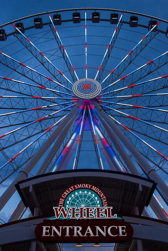 Skywheel At Beale Island In Pigeon Forge only 5 mile from Smoky Mountain Hide-A-Way