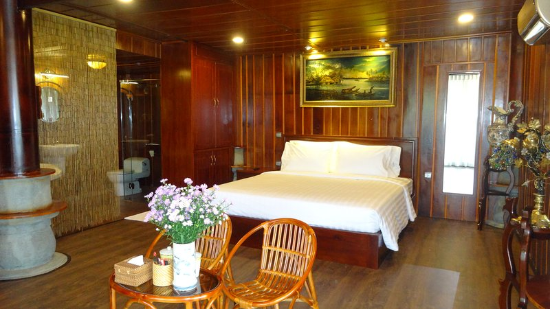 Moon Suite Double - Saigon Riverside Luxury Homestay, casa vacanza a Bien Hoa
