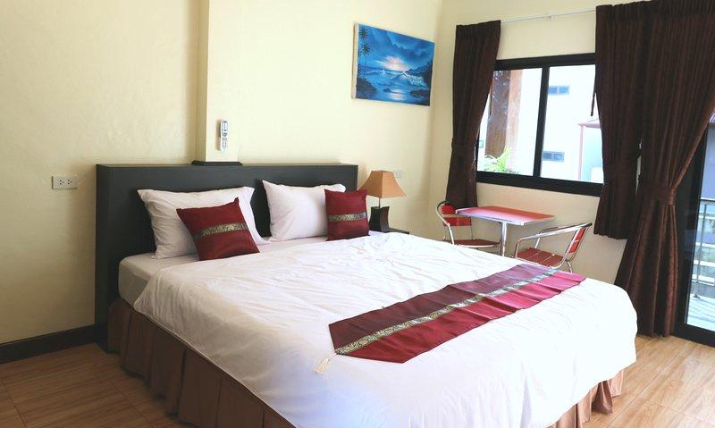 Una bonita y nueva casa de huéspedes de 4 habitaciones, cerca de la playa.